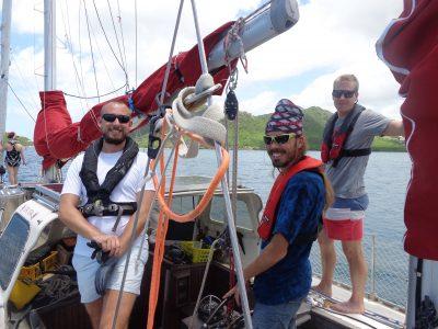 Ines (i bakgrunden), Martin, Johan och Magnus